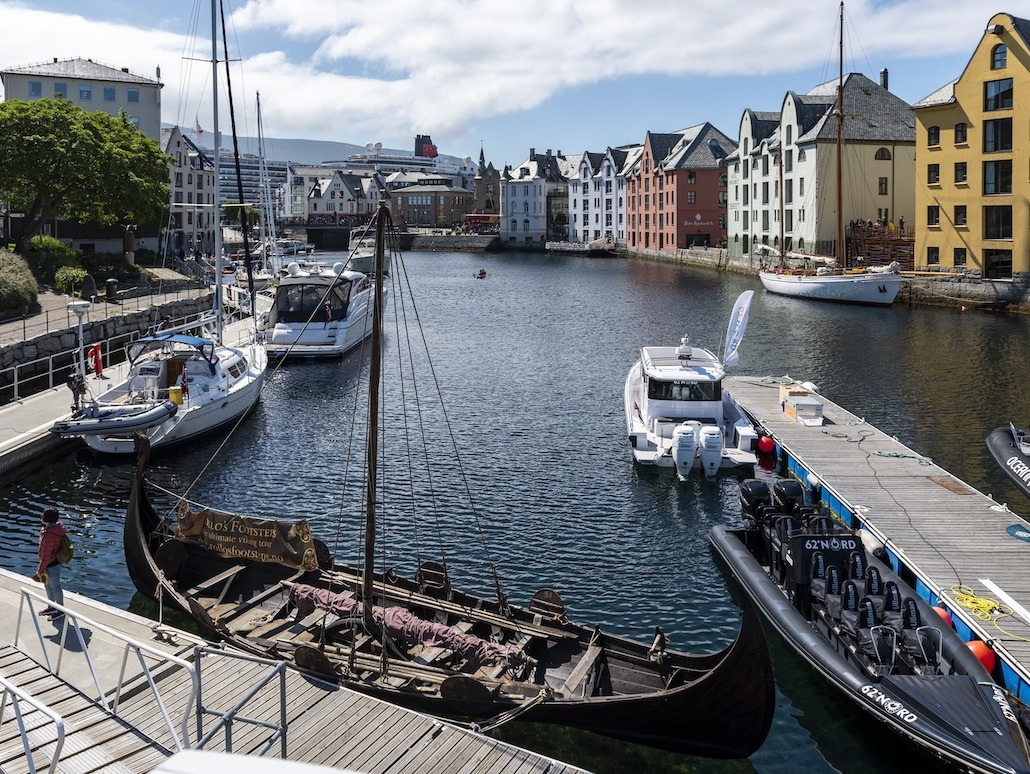 Firmatur til Ålesund |Signaturreise