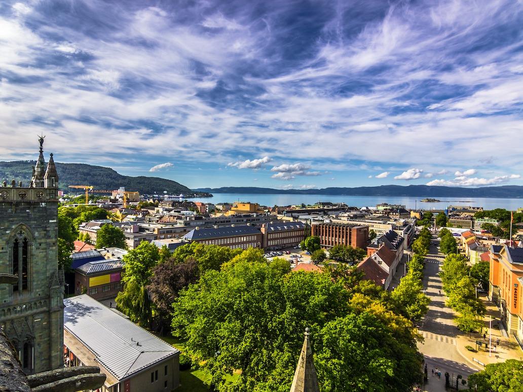 Trondheim by utsikt nidarosdomen firmatur til trondheim signaturreise